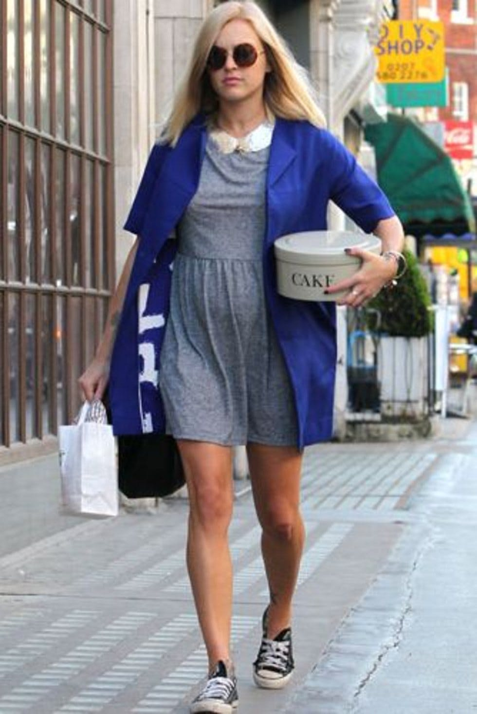 e997f63d204691 Fearne Cotton teamed a grey jersey dress and cobalt blue coat with Converse  shoes and a sequin collar outside the Radio 1 Studios.