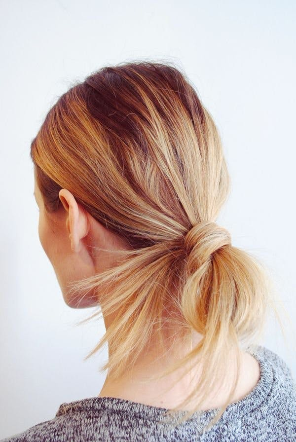 30 quick and easy hair tutorials for every hair length stylist looped ponytail solutioingenieria Choice Image