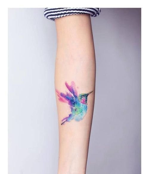 50 beautiful coloured tattoos, from florals to geometric shapes ...