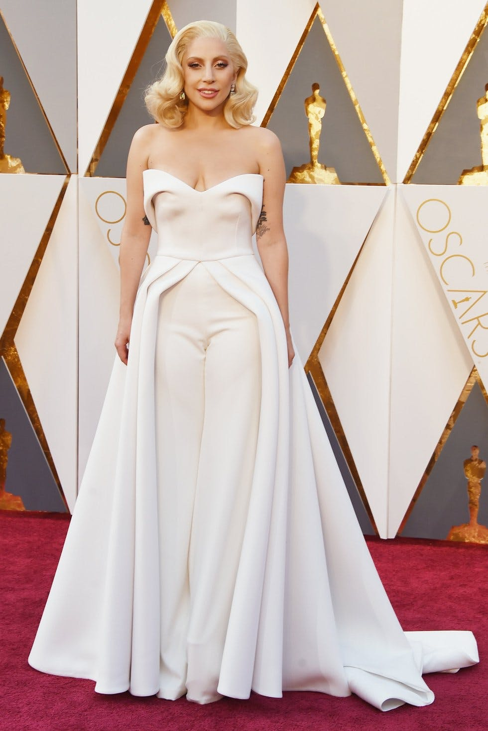 ae0ec3a44e8 The 88th Academy Awards  all the A-list fashion from the 2016 Oscars ...
