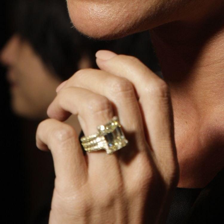 Celebrity Engagement Rings: Victoria Beckham