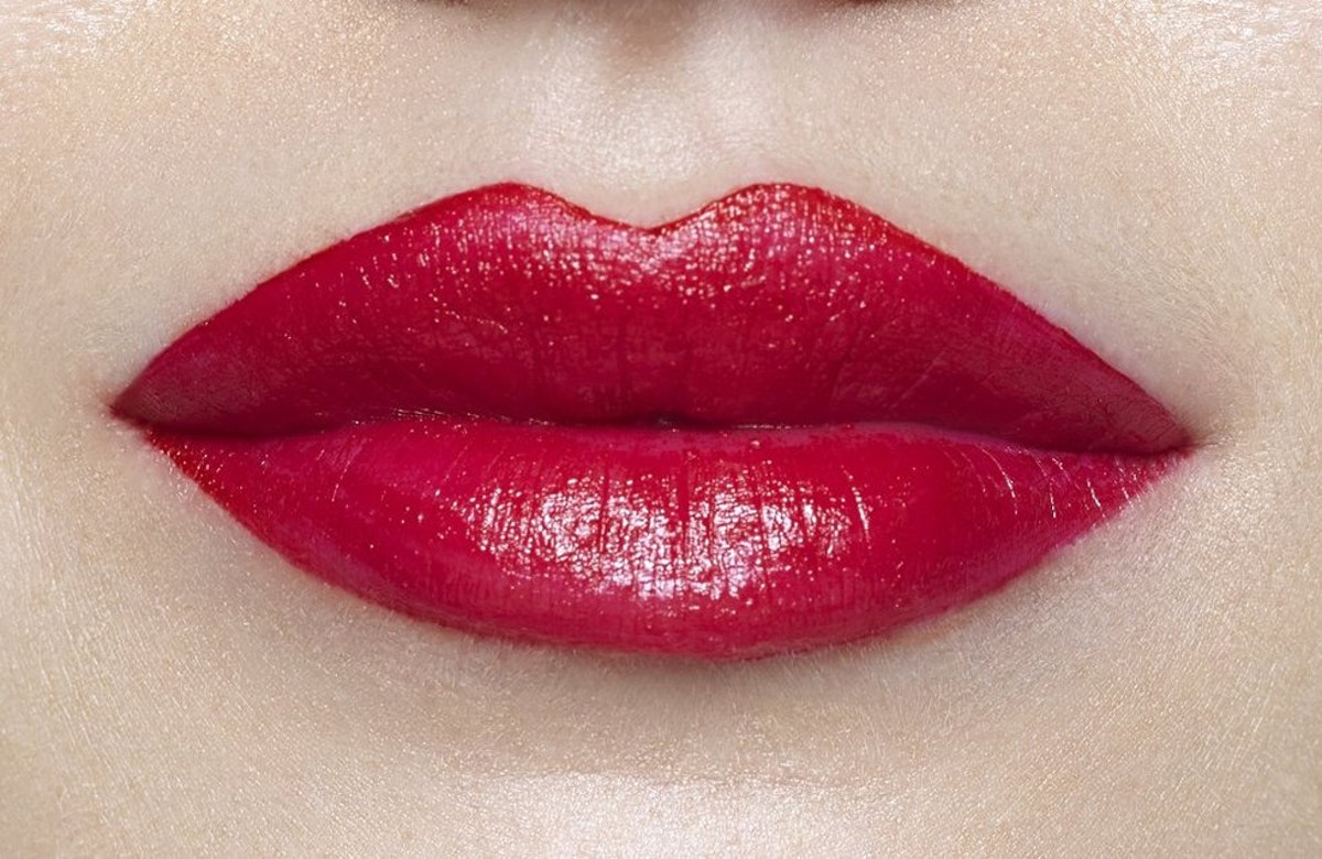 how to get red lipstick to stay