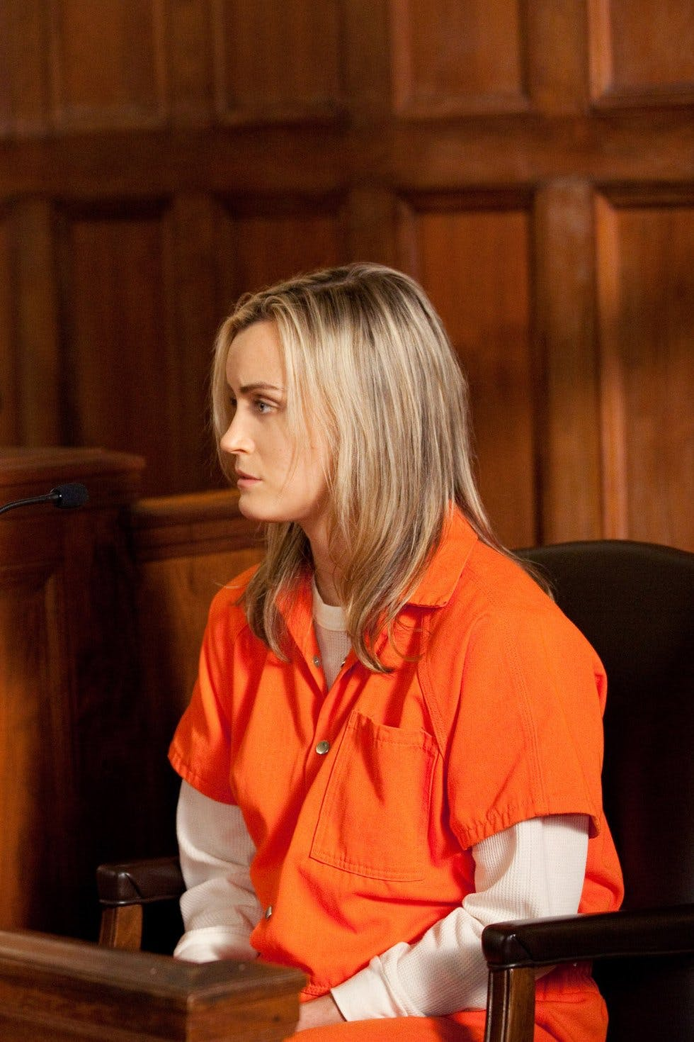 Piper Chapman is just your average 30-something living in New York until  she finds herself facing a 15-month sentence for transporting a suitcase  full of ...