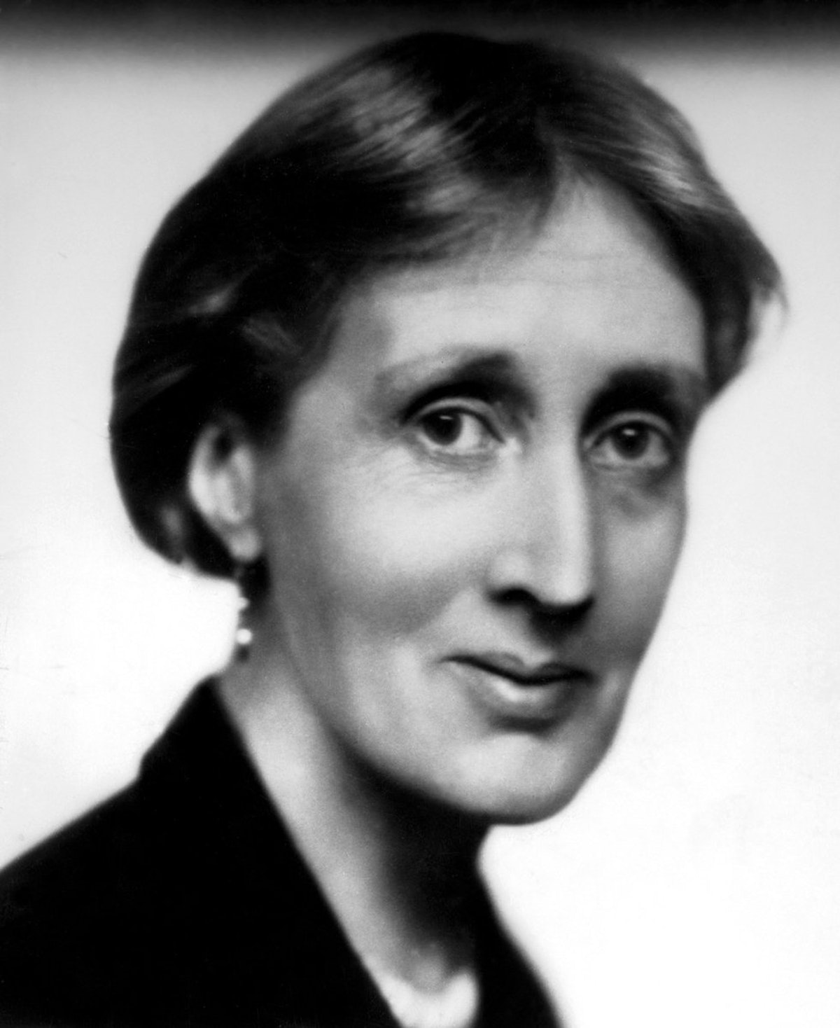virginia woolf why should women Virginia woolf among the apostles  virginia woolf wonders why  it may be worthwhile to suggest that future philosophical analyses of virginia woolf should.