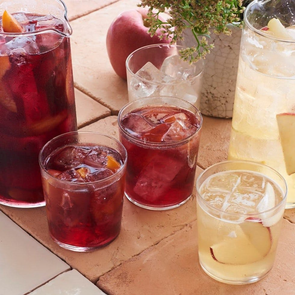Ros aperol spritz meet the updated cocktail classics you for Cava sangria
