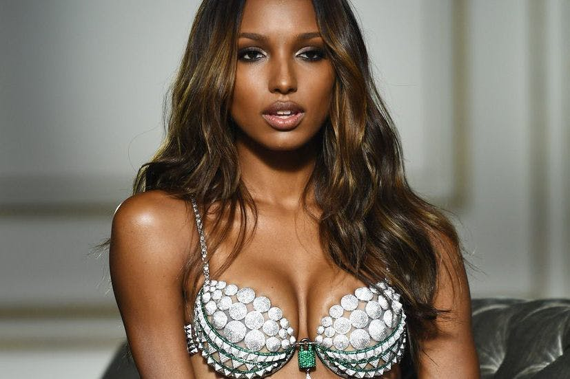 3504fb06a3 Victoria s Secret model Jasmine Tookes praised for  real  stretch marks shot
