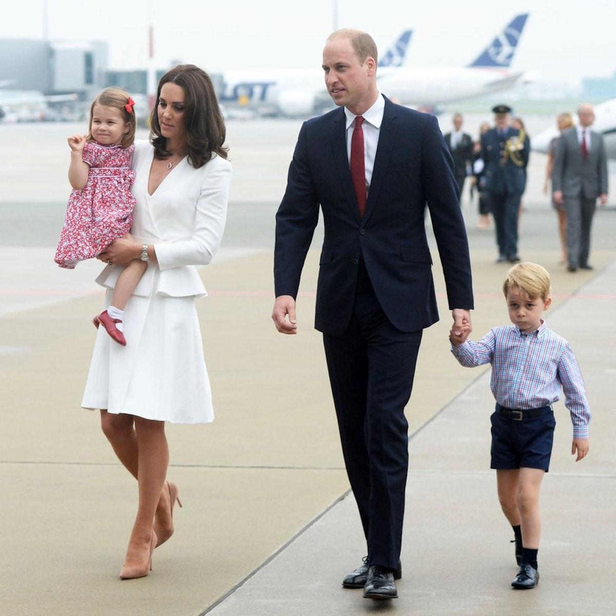 Kate Middleton pregnant with third child, Kensington ...