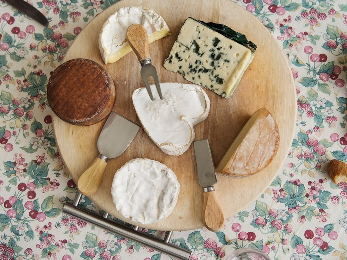 Top 10 health benefits of eating cheese
