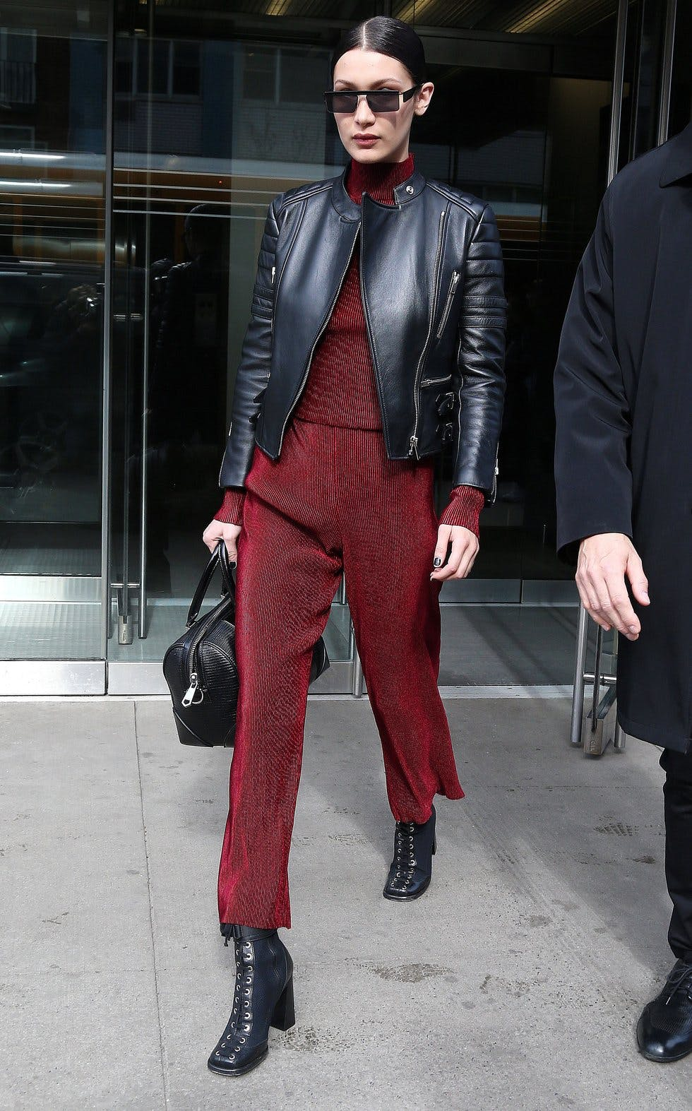 0d05fd39bac Get daily outfit inspiration with our round-up of the best A-list ...