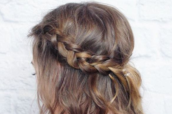 Quick And Easy Ways To Style Mid Length Hair From Waves To Plaits