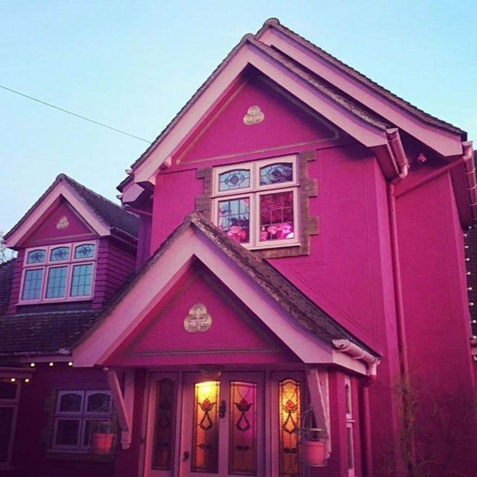 You Can Rent A Pink House Filled With Flamingos On Airbnb