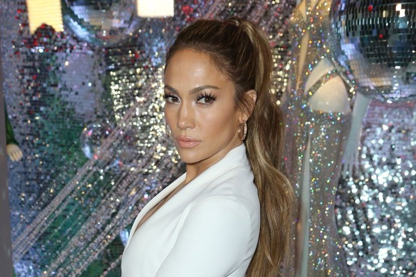 Is max dating jlo