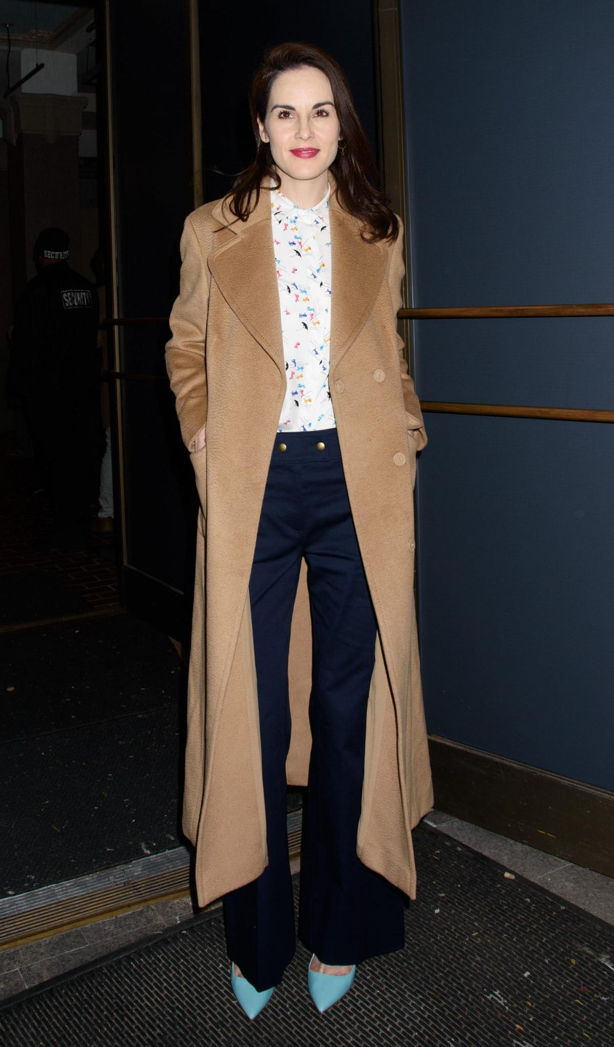 ae7aa6e0b516 Get daily outfit inspiration with our round-up of the best A-list ...