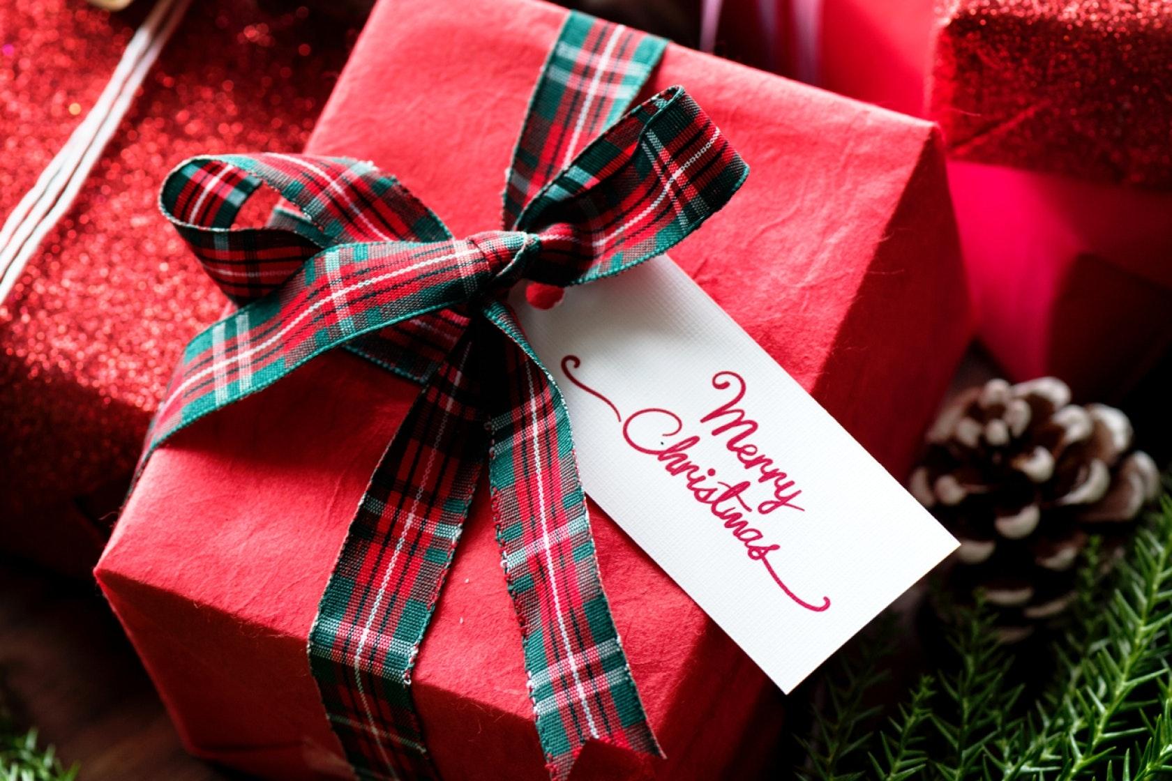 Red magazine christmas gift ideas