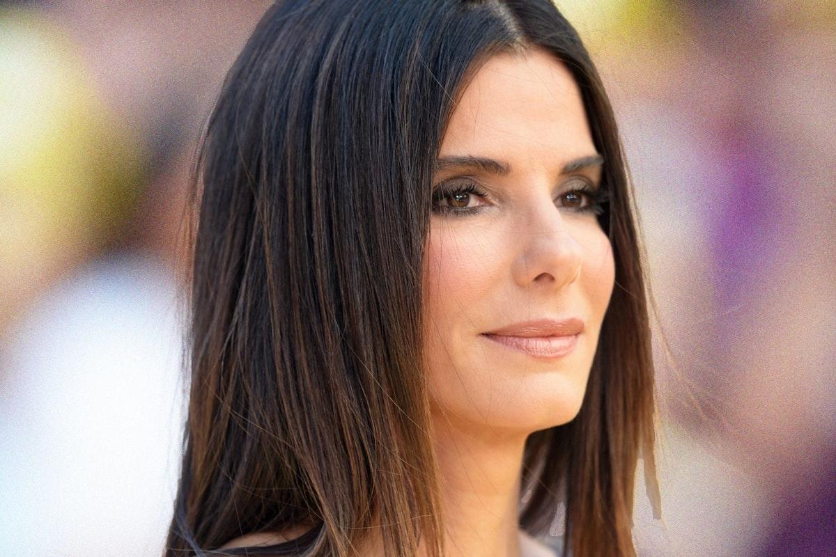 Sandra Bullock in profile