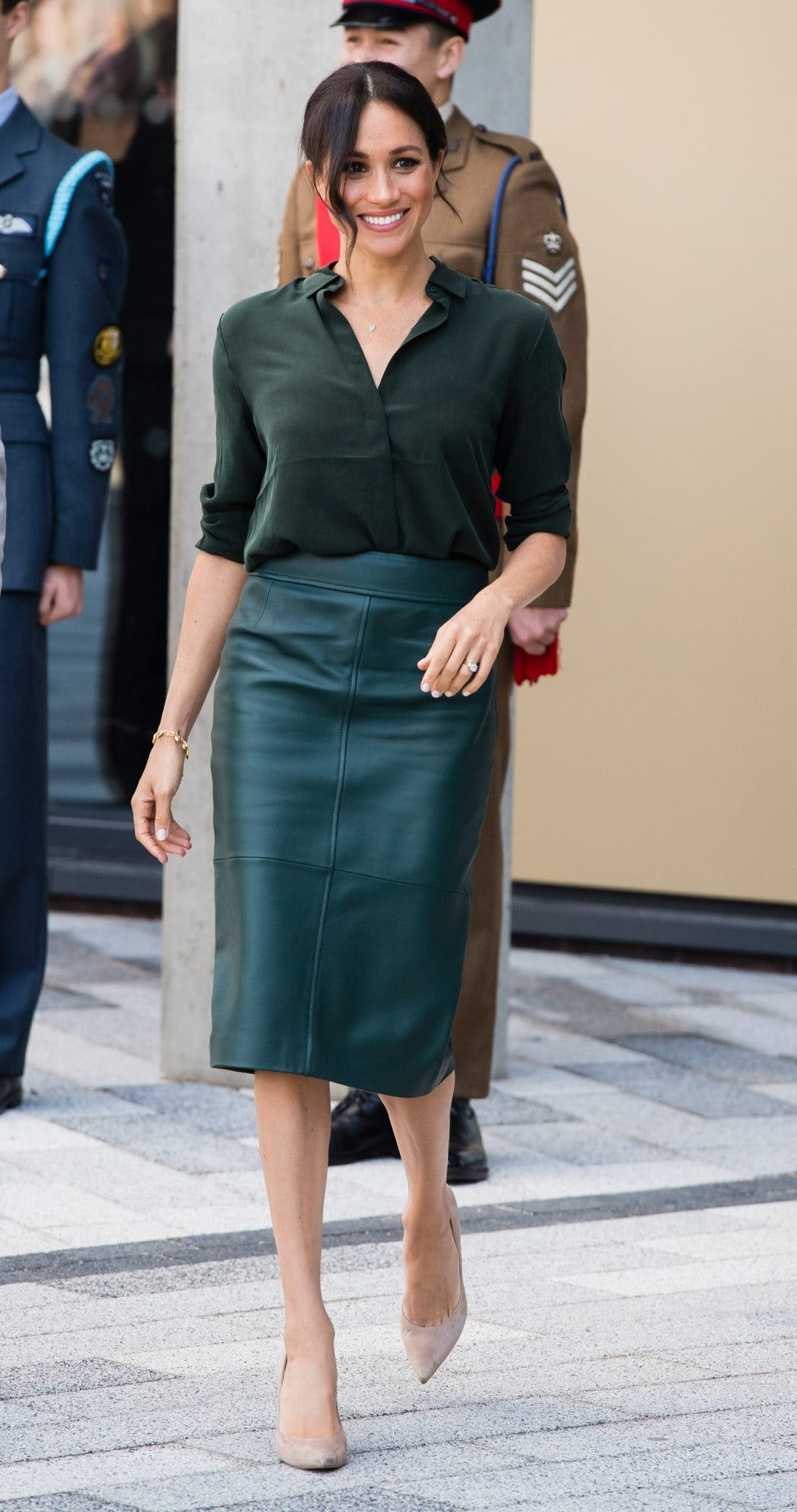 134e91d3774e Get daily outfit inspiration with our round-up of the best A-list ...