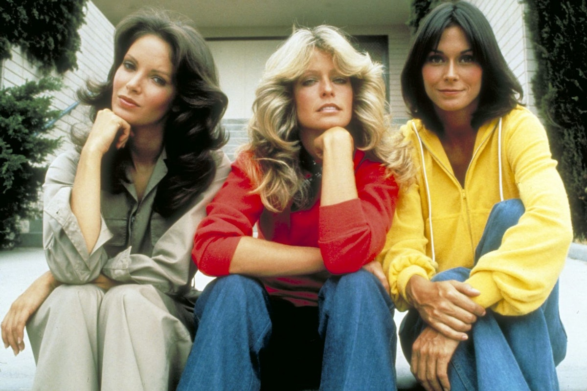 UNITED STATES - DECEMBER 08: CHARLIE'S ANGELS - 'Consenting Adults' - Season One - 12/8/76 Kelly (Jaclyn Smith, left) and Sabrina (Kate Jackson, right) disguised themselves as veterinarians, and Jill (Farrah Fawcett-Majors) posed as a hooker in order to kidnaps a ruthless kingpin's prize racehorse. (Photo by ABC Photo Archives/ABC via Getty Images)