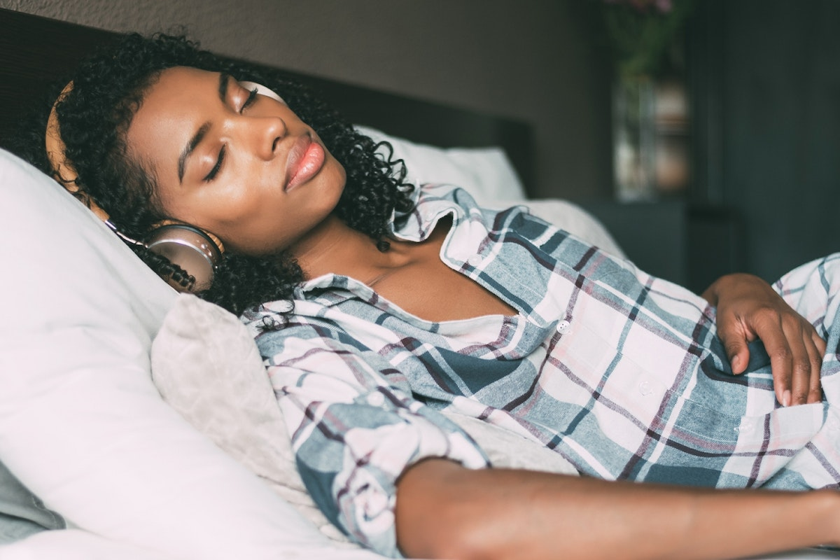best-podcasts-soothing-cant-sleep