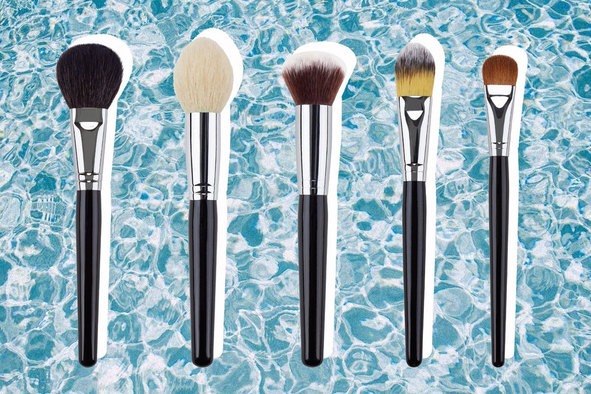 How to clean your make-up brushes quickly