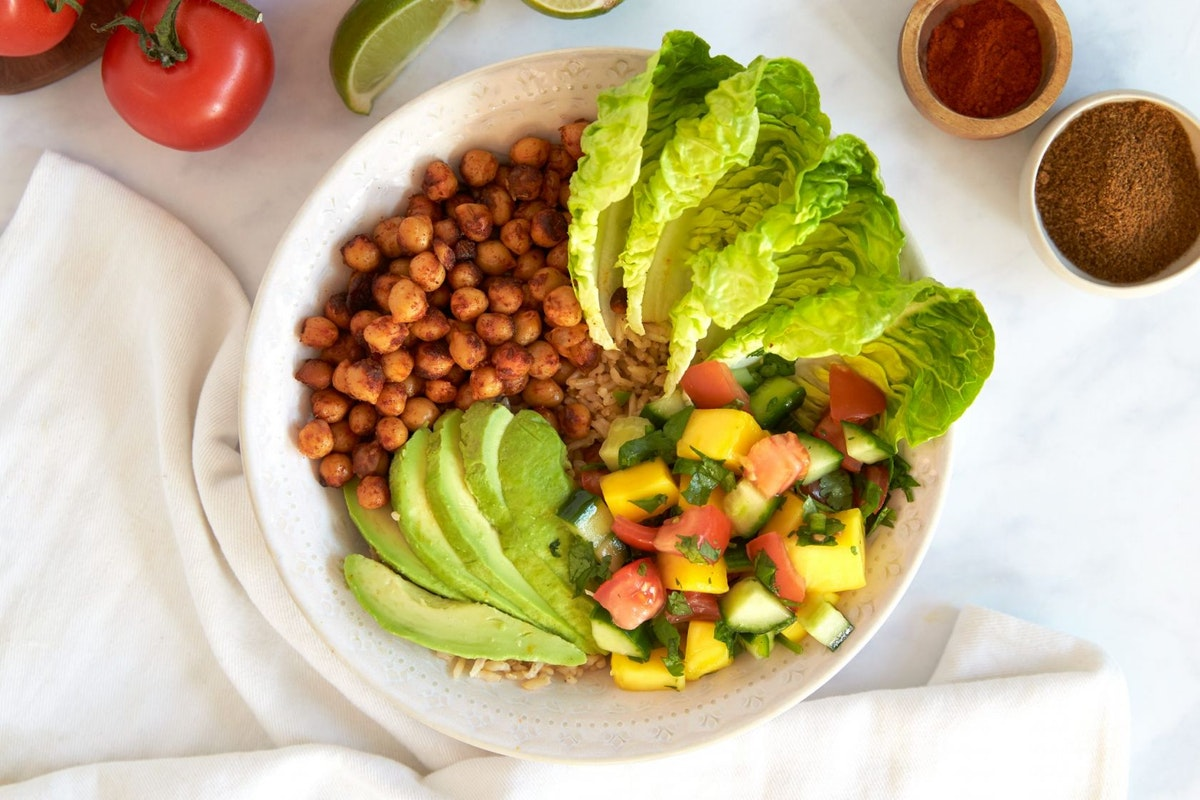 Mexican spicy chickpea taco bowl recipe