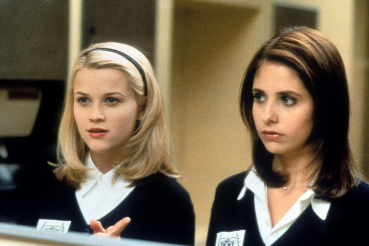 Reese Witherspoon and Sarah Michelle Gellar in a scene from the film 'Cruel Intentions', 1999. (Photo by Columbia Pictures/Getty Images)