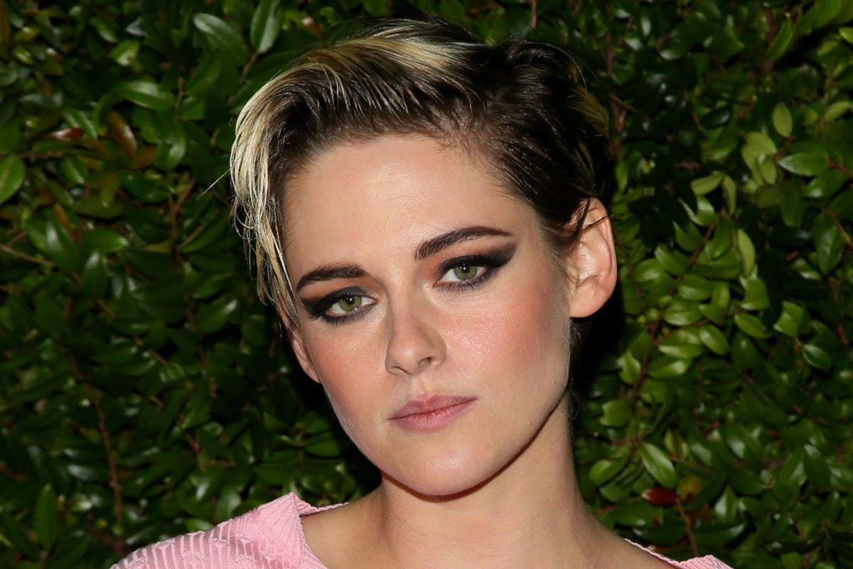 Kristen Stewart just bleached her eyebrows and she still looks effortlessly cool