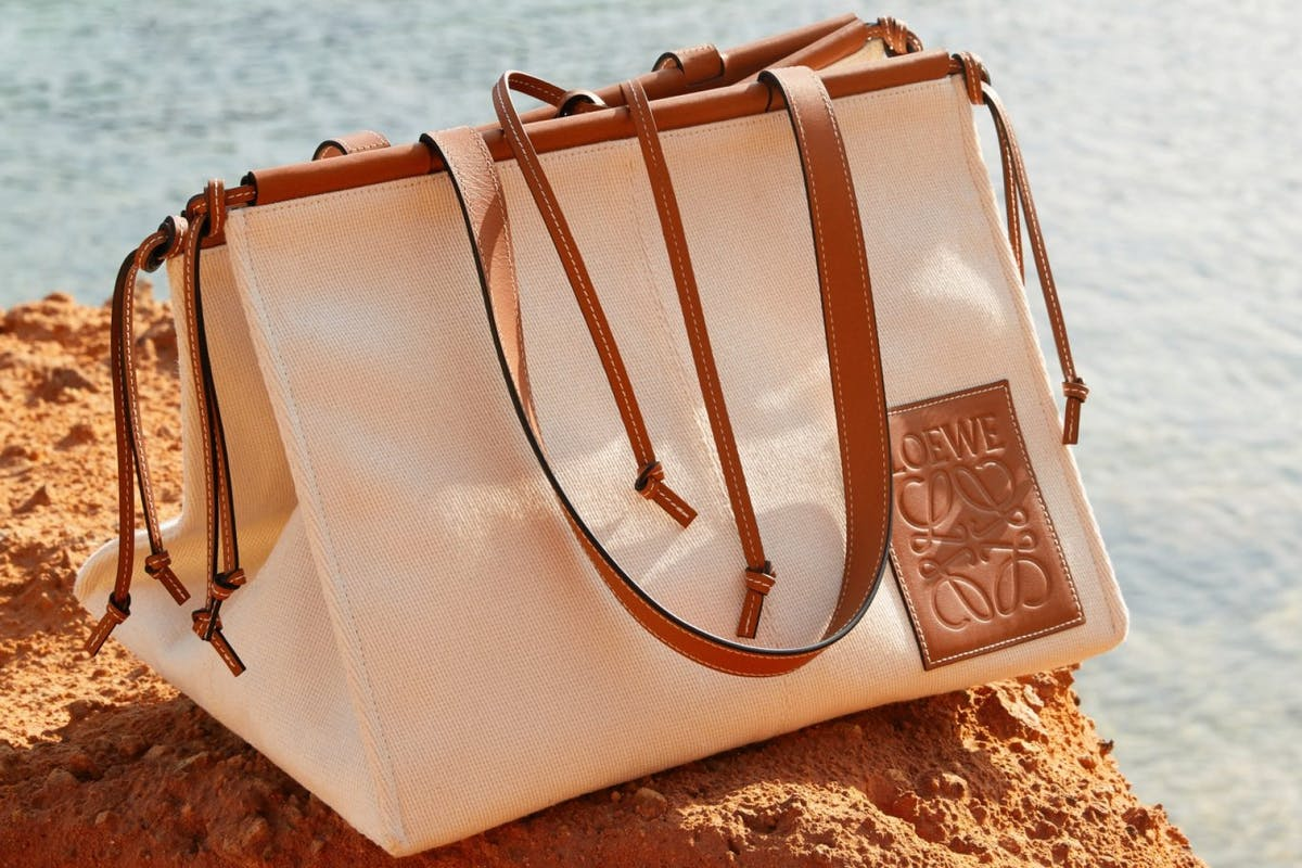The ''it'' bag of the the season: 9 chic canvas bags for summer
